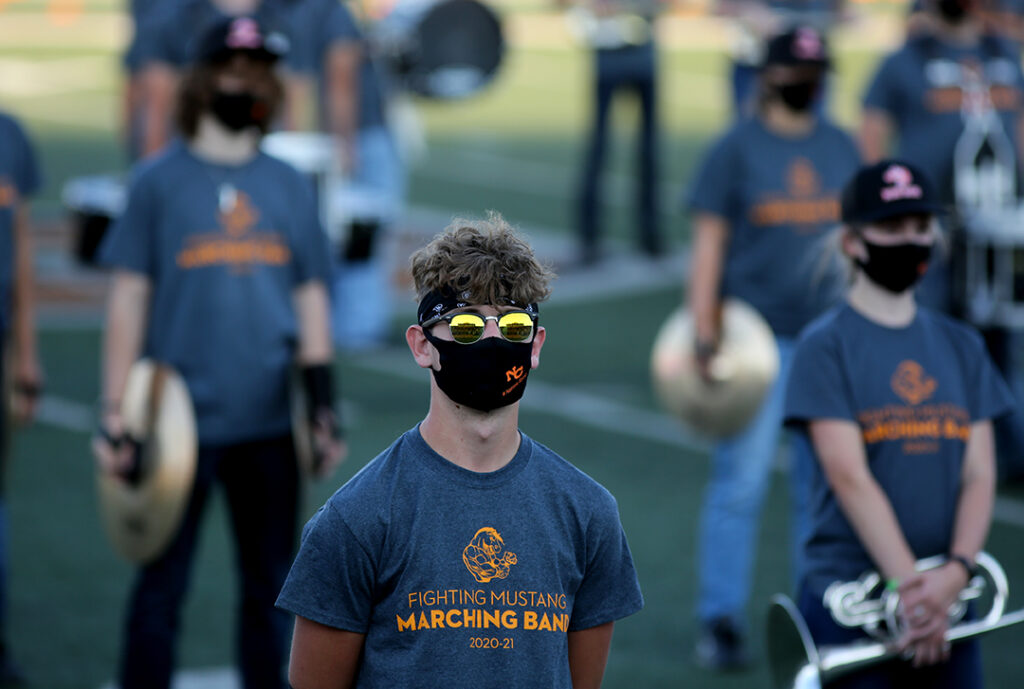 Wyoming changing COVID rules for schools; mask wearers won ...